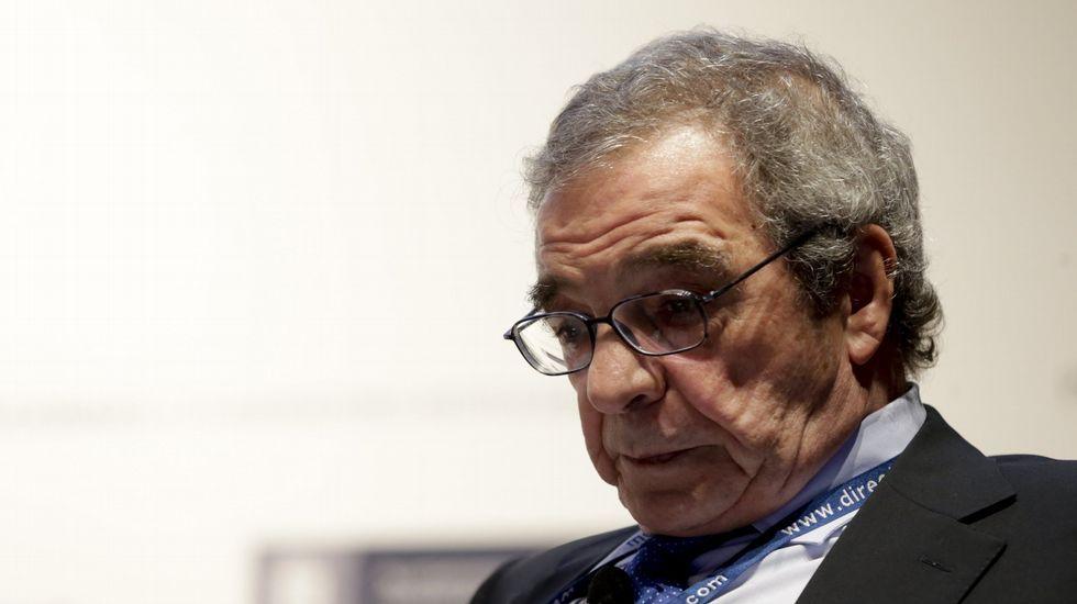 El inglés «top» de Caballero: «Very welcome everybody here».El presidente de GAM, Pedro Luis Fernández.