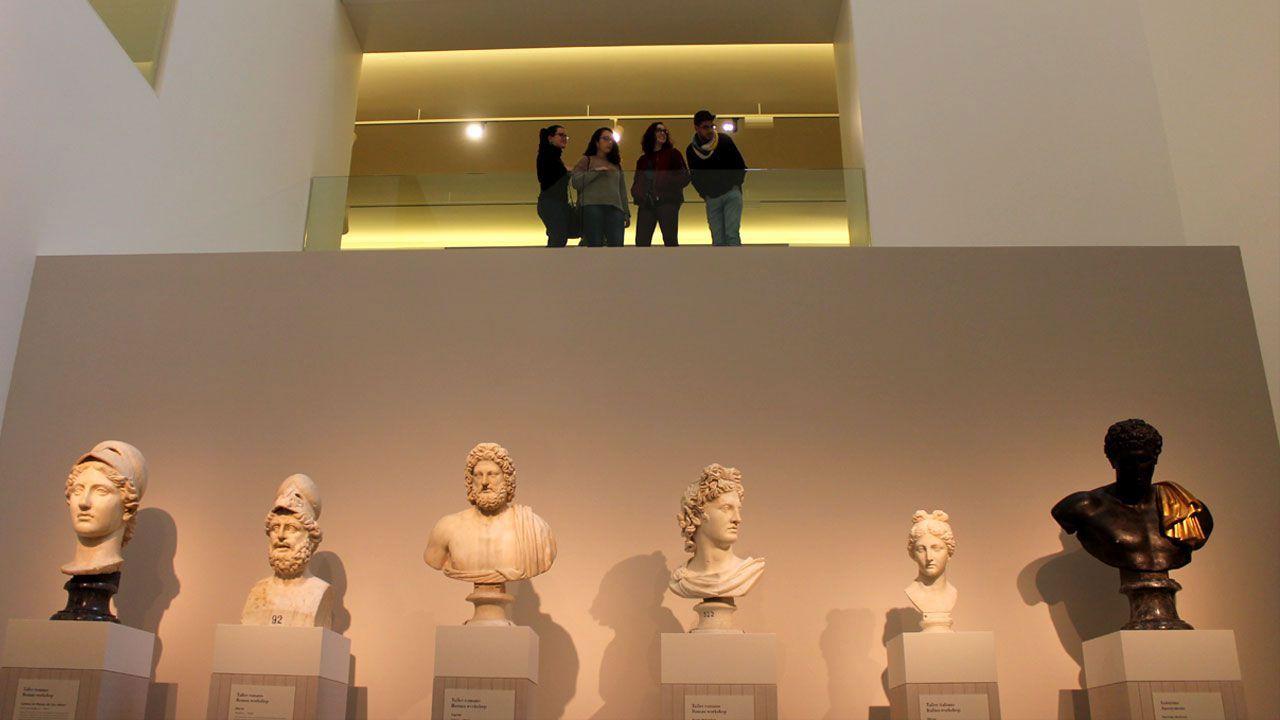 Obras en la variante de Pajares.Visitantes del Museo de Bellas Artes de Asturias