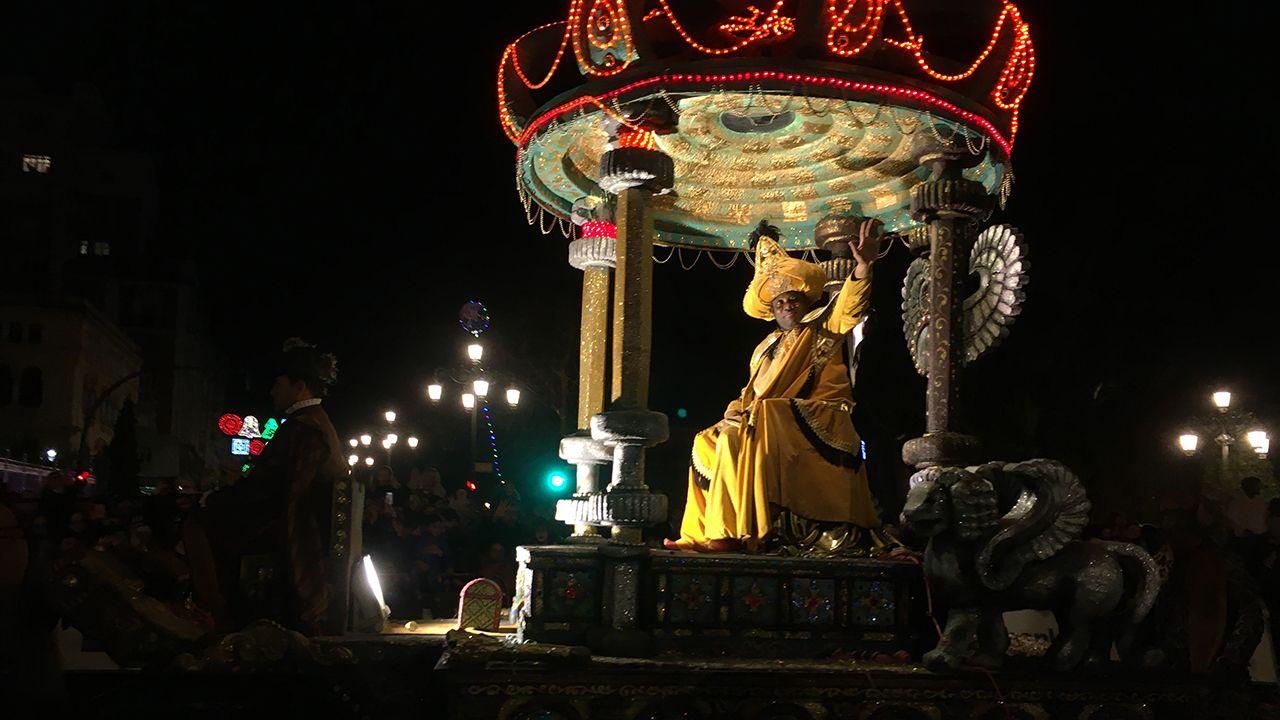 Las cabalgatas de Reyes en Asturias.Salida de los mineros encerrados en el pozo Santiago