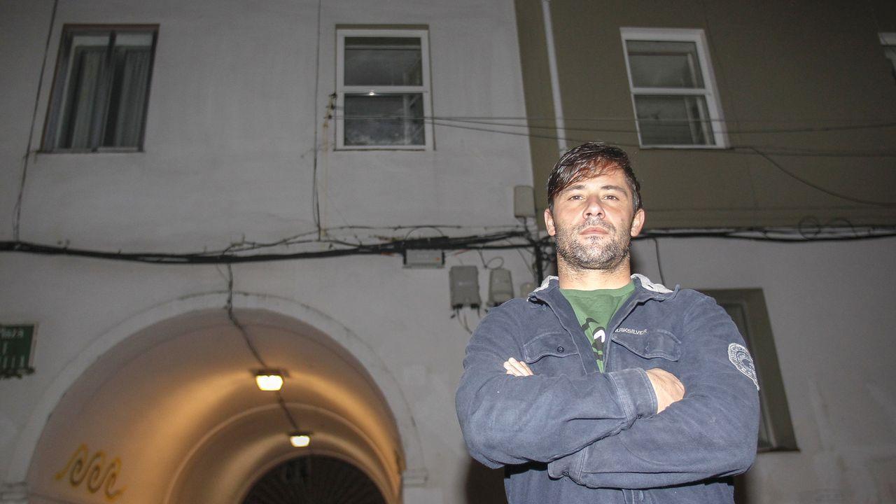 Álvaro Fraga salvó a un bebé que cayó de la ventana en el barrio de Recimil, en Ferrol