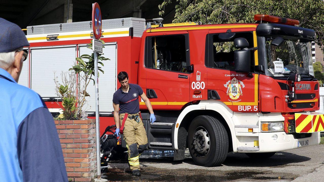 Arden tres coches en Redondela.El parque de bomberos de Balaídos, en Vigo, en una imagen de archivo