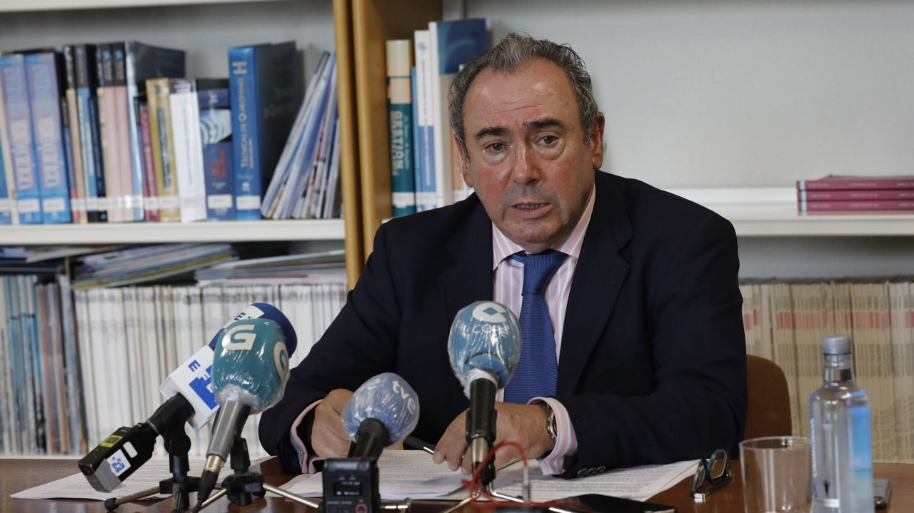 El gerente de la área sanitaria de la provincia lucense, Ramón Ares, en imagen de archivo durante una comparecencia en el hospital de Burela