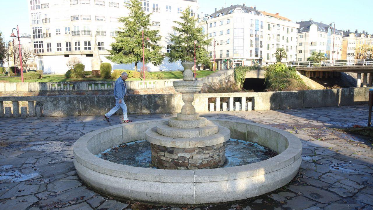 El Concello de Carballo ha cortado el suministro de agua a las fuentes ornamentales.