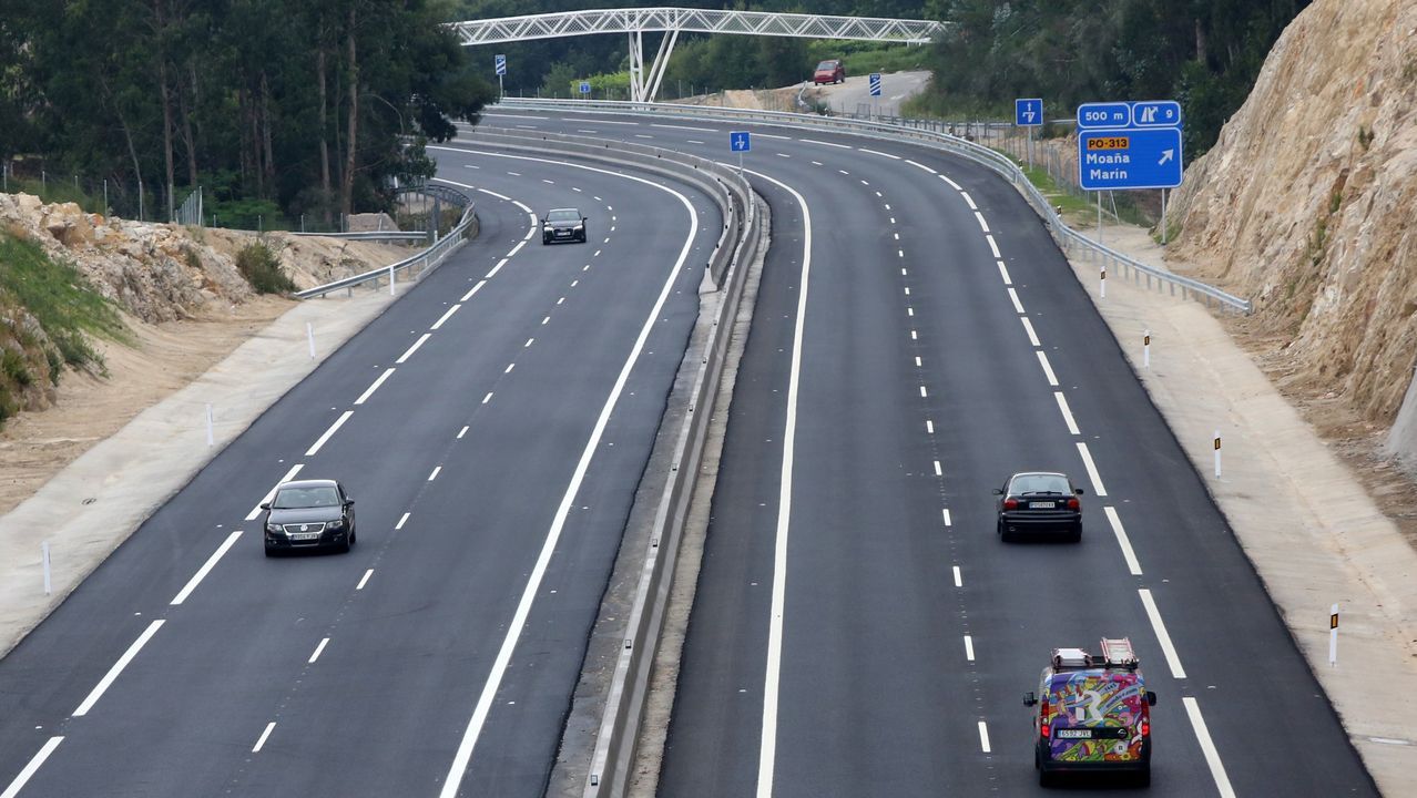 autopista, fuga, huida, autopistas, Asturias, kamikaze, kamikazes.Las obras en la carretera OU-0215 en Sande corresponden a una primera fase