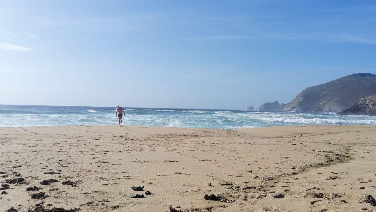 Las temeridades siguen en Mar de Fóra, aún con un peregrino muerto