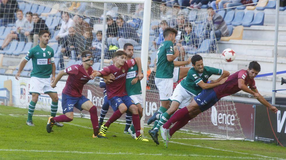 La suerte salvó al Pontevedra CF
