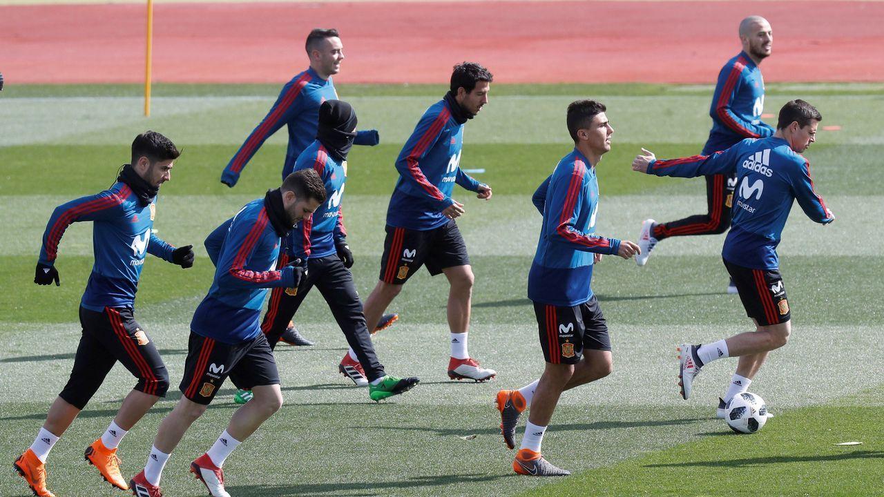 España se ejercita con la ausencia de Piqué, aquejado de gripe.Messi se entrenó ayer en la ciudad deportiva del Madrid, en Valdebebas