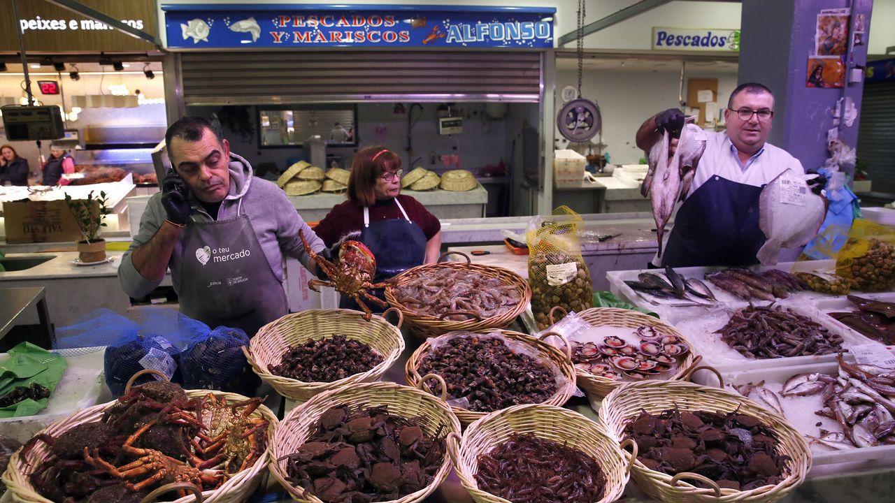 En la plaza de abastos de Boiro esperan hoy avalancha de compradores, aunque más floja que Nochebuena