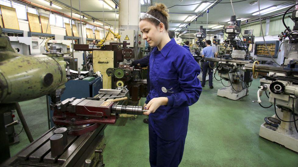 Imagen de archivo de un taller  Deseño da Fabricación Mecánica en el CIFP Ferrolterra