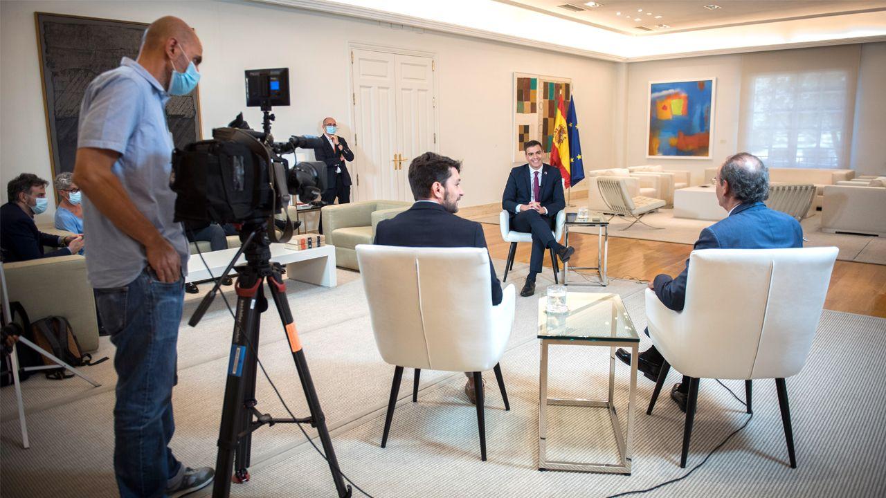 Pedro Sánchez recibió a los periodistas de La Voz en el palacio de La Moncloa