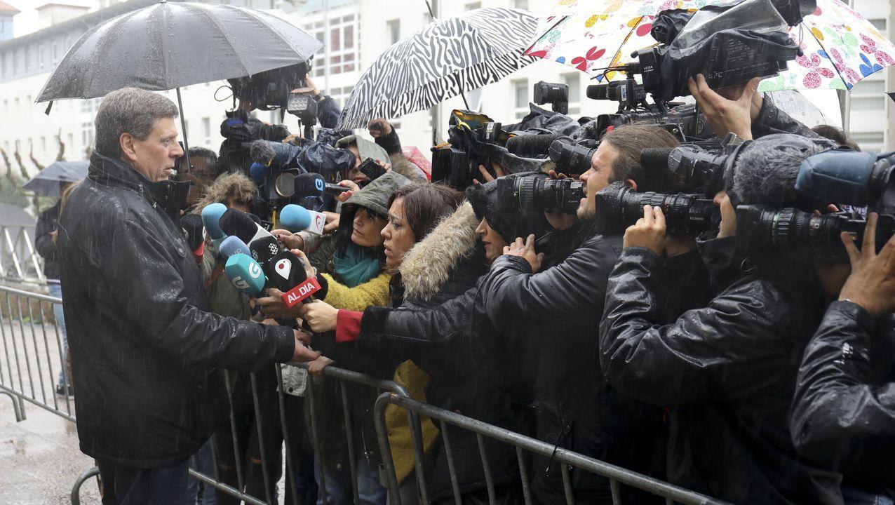 Diana López-Pinel a la entrada del juzgado
