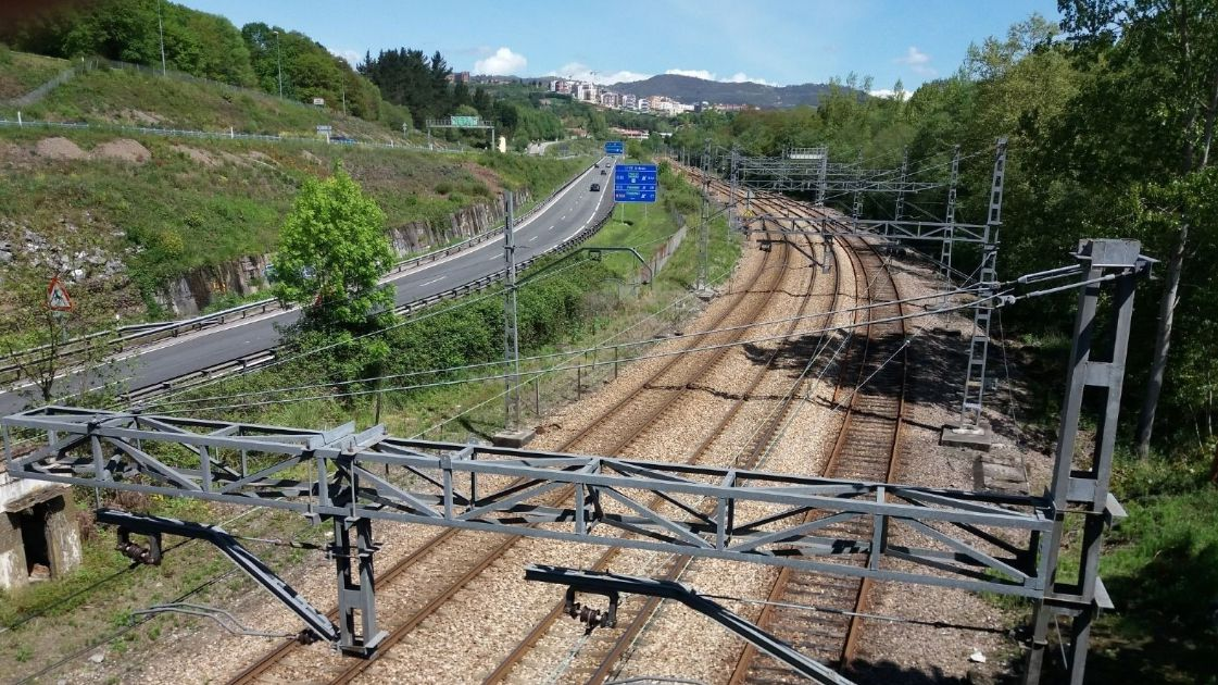 Vías del tren en Oviedo