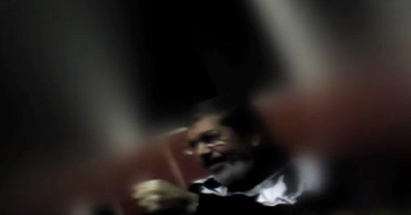 Graban a Mursi en el lugar en el que se encontraba encarcelado.El coordinador Amr Alí.