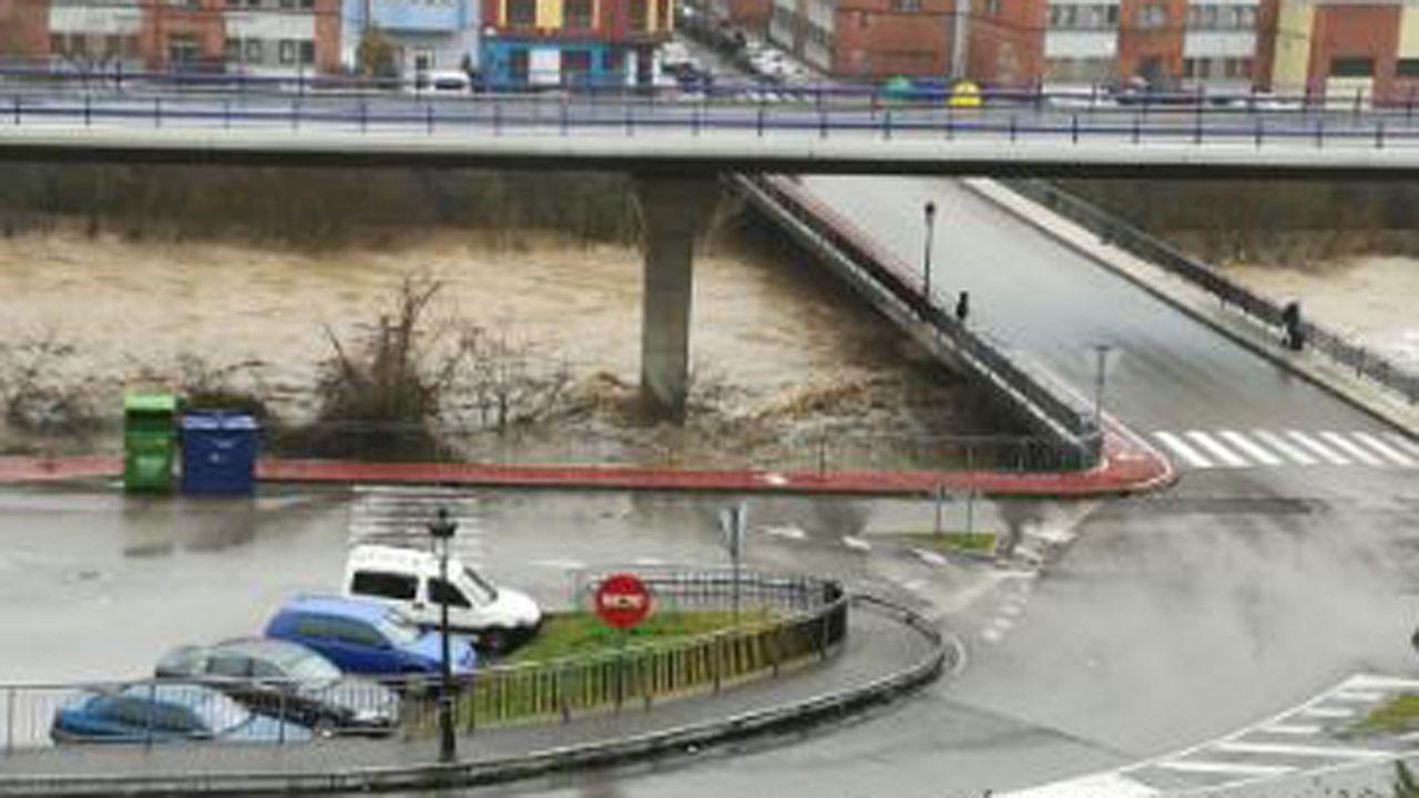 El río Nalón a su paso por El Entrego