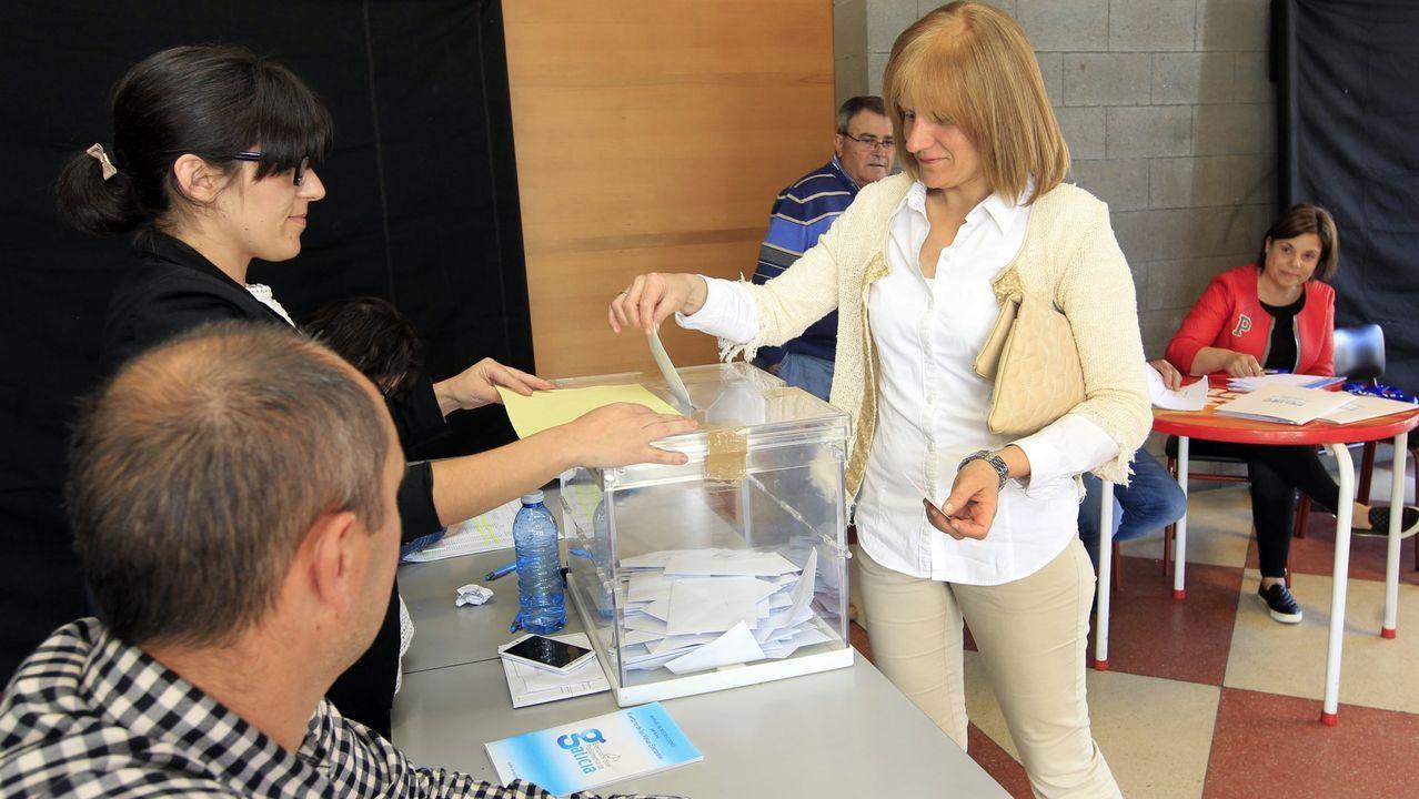 Comparecencia de Antón Gómez Reino.Mesa electoral en Xove en las autonómicas del 2016