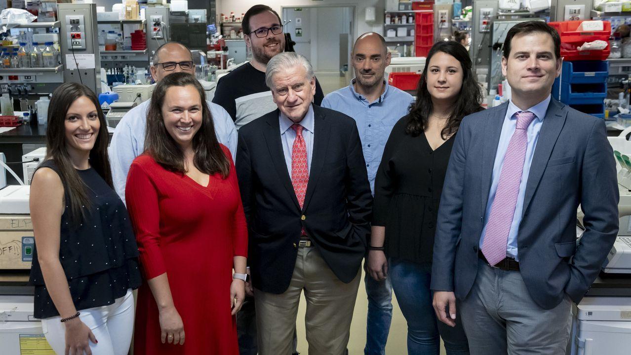 Valentín Fuster, con el equipo que ha probado el efecto de la esperanzadora terapia para el alzhéimer
