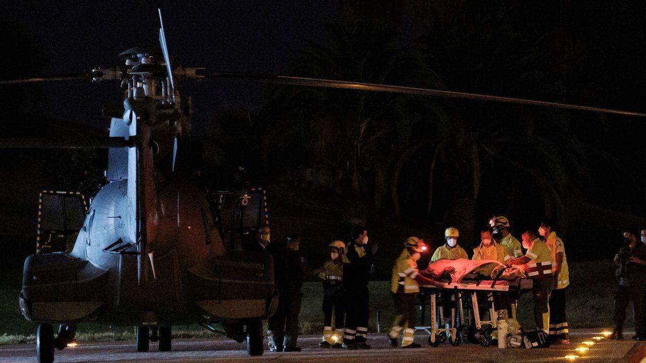Los rescatados fueron evacuados enun  helicóptero del Ejército del Aire al hospital Doctor Negrín de Las Palmas de Gran Canaria.