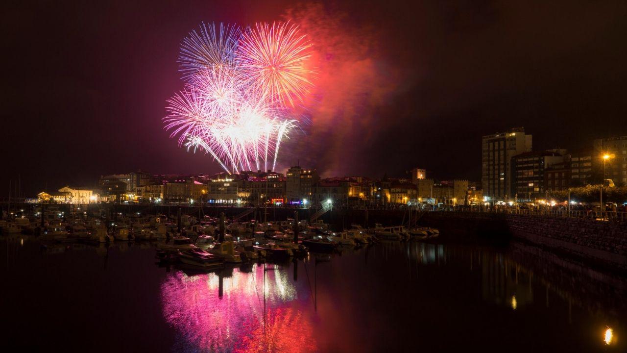 Noche de los fuegos de Gijón.La noche de los fuegos, en una pasada edición