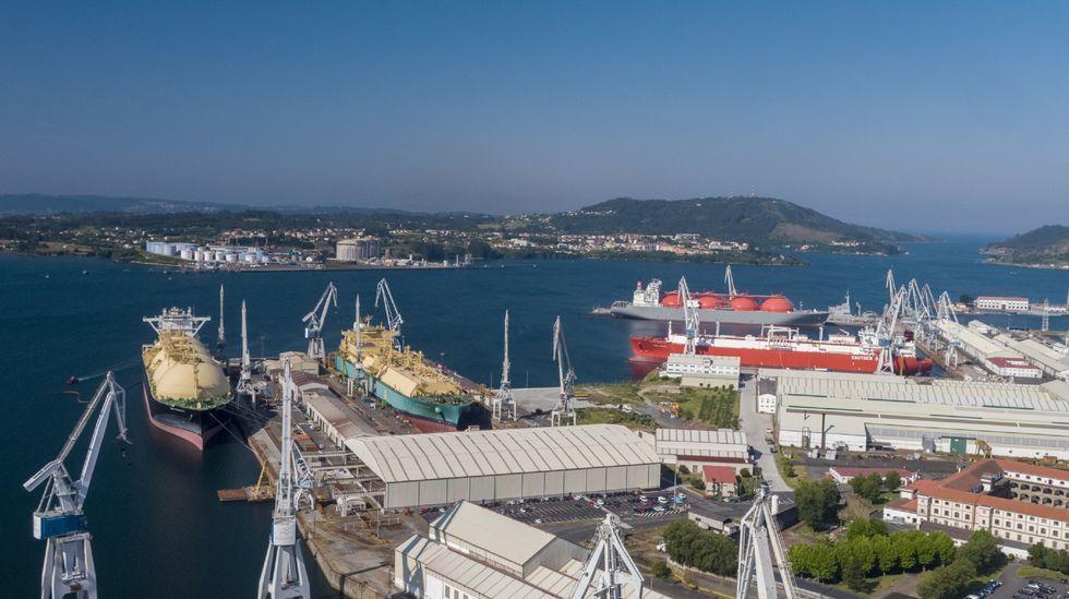 Dos marchas confluyen en As Pías por el futuro industrial de la comarca de Ferrol.Francisco Pérez Porto