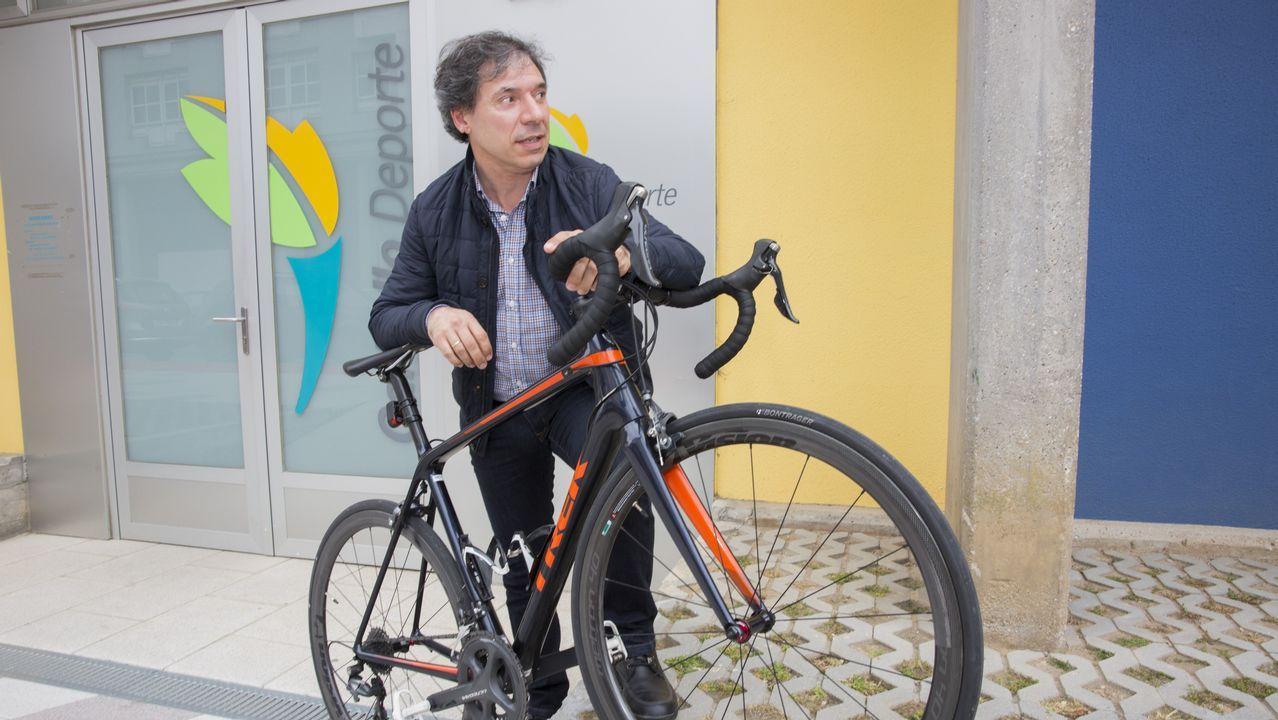 El Día da Bicicleta celebró sus bodas de plata con Carballo.Manuel Arias y María Jesús Sobrido