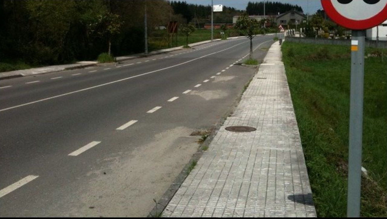 Tramo de carretera de Guitiriz a Os Vilares