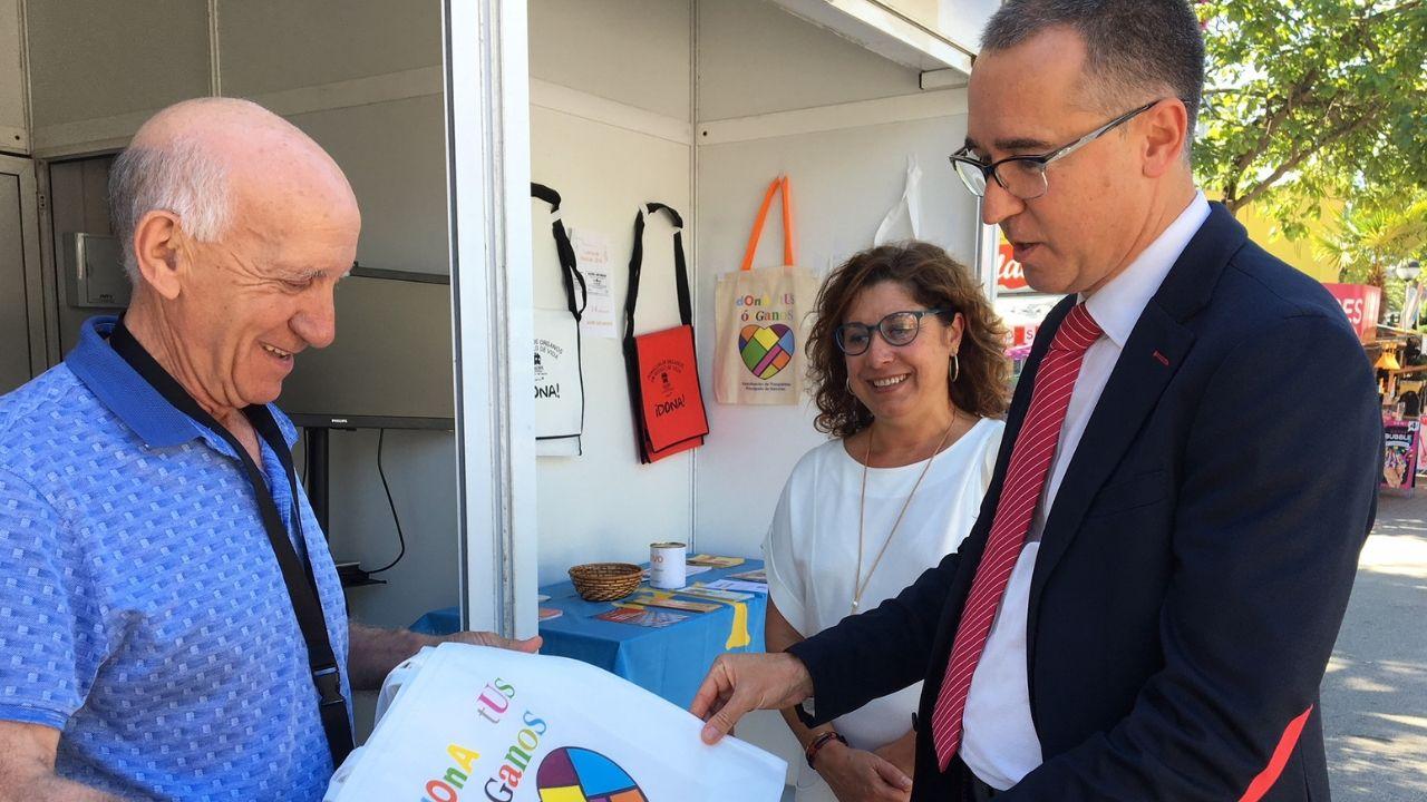 Hospital de Cabueñes, en Gijón.Fernández Muñiz, en su visita a la Feria de Muestras