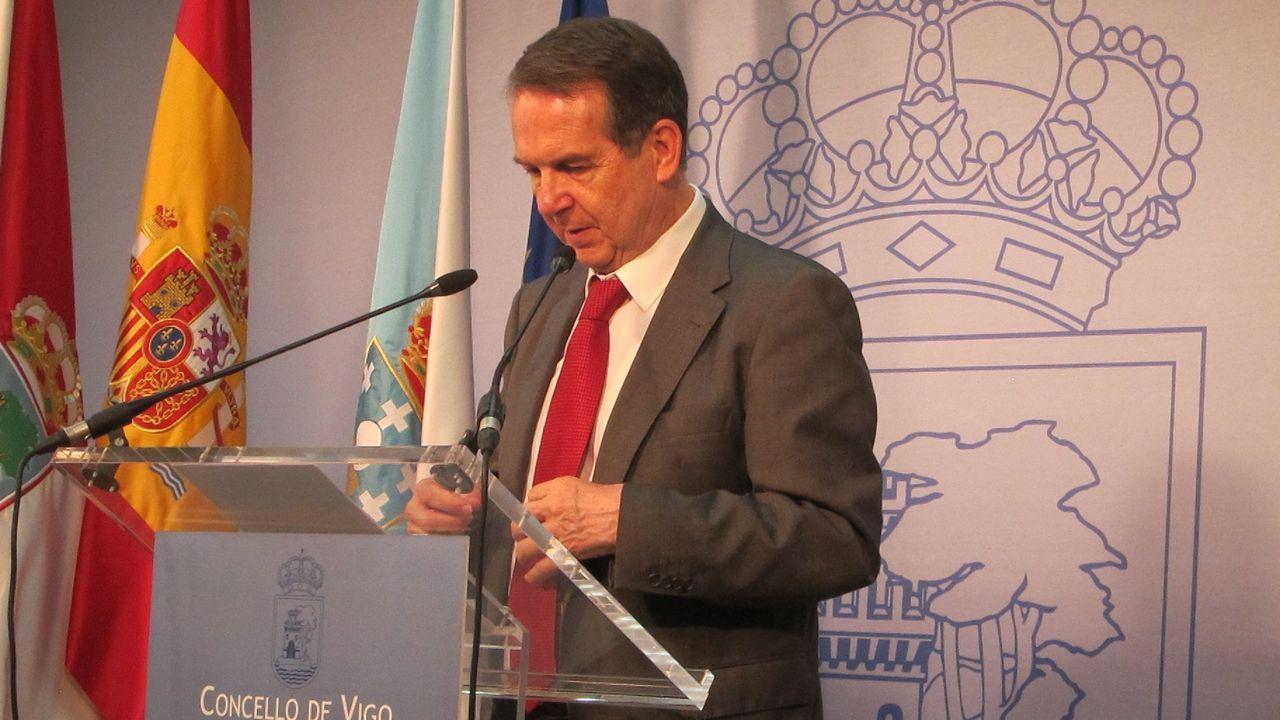 El alcalde Abel Caballero, presidente del Consorcio, y David Regades, delegado de Zona Franca, expusieron el plan que proyecta una inversión a largo plazo de unos 340 millones de euros