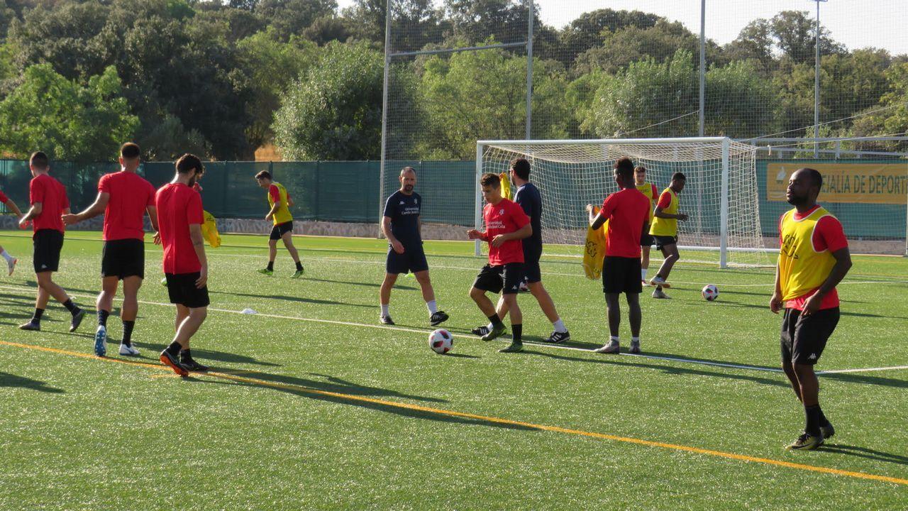 Los futbolistas del Deportivo se entrenaron ayer por primera vez en el estadio