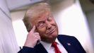 Donald Trump, en el Air Force One, de regreso a la Casa Blanca tras ofrecer un mitin en New Hampshire