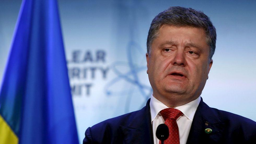 Según los papeles de Panamá, el actual presidente de Ucrania, Petro Poroshenko, creó una compañía en las Islas Vírgenes en 2014, durante el auge del conflicto de su país con Rusia. Portavoces del mandatario aseguraron en tanto que la fundación de la firma no estaba vinculada «a ningún hecho político ni militar en Ucrania»