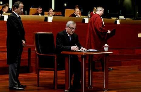 La otra carta a los Reyes de Ikea.Juncker juró ayer su independencia ante el Tribunal de Justicia de la Unión Europea.