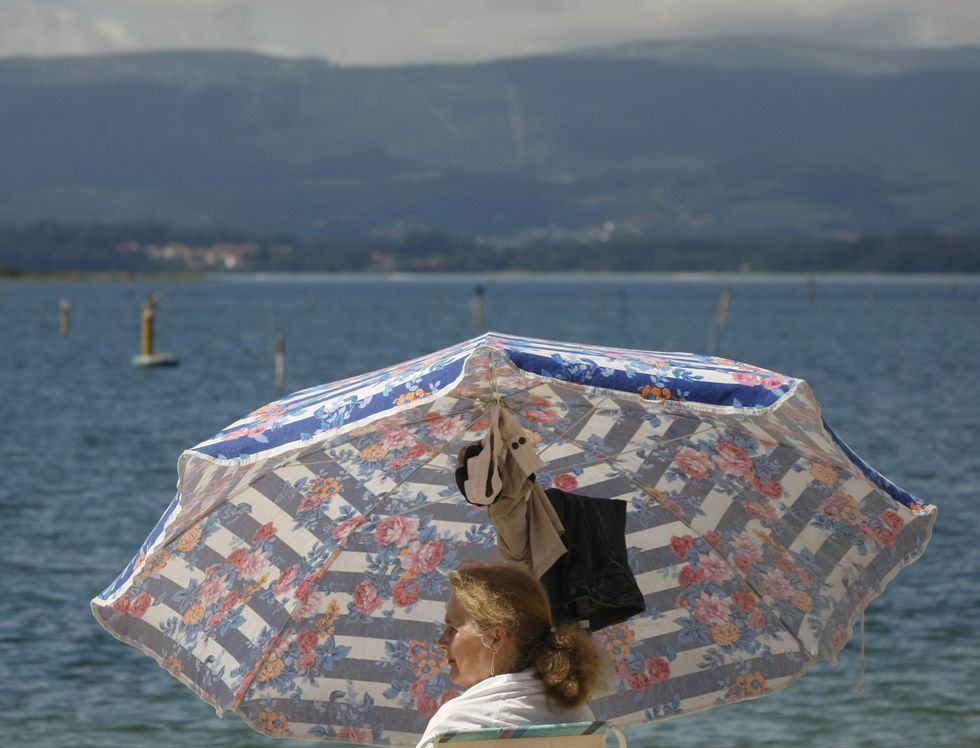 Los atardeceres «chill out» en la playa fueron los primeros en caer este verano.