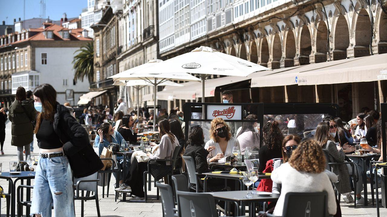 Los locales de A Coruña se volvieron a llenar aprovechando el bien tiempo