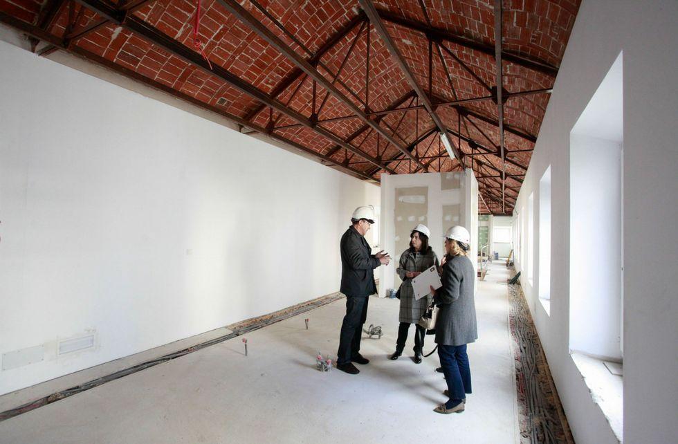 La estructura de hierro del tejado quedará al descubierto en la planta que albergará la biblioteca.