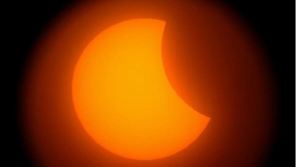 Espectaculares imágenes del eclipse solar.El eclipse, en Vigo