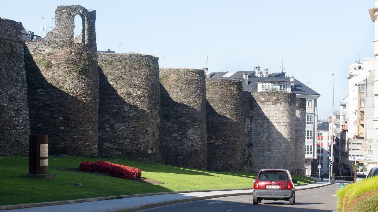 20 fotos para 20 años de la Muralla de Lugo Patrimonio de la Humanidad.Tramo de la ronda comprendido entre las puertas de Campo Castelo y de San Pedro