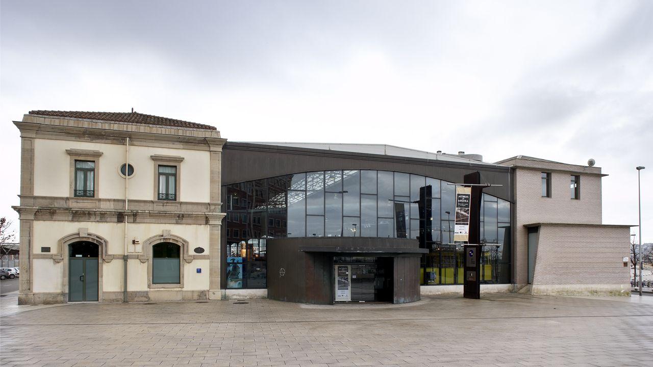 Fachada del Museo del Ferrocarril