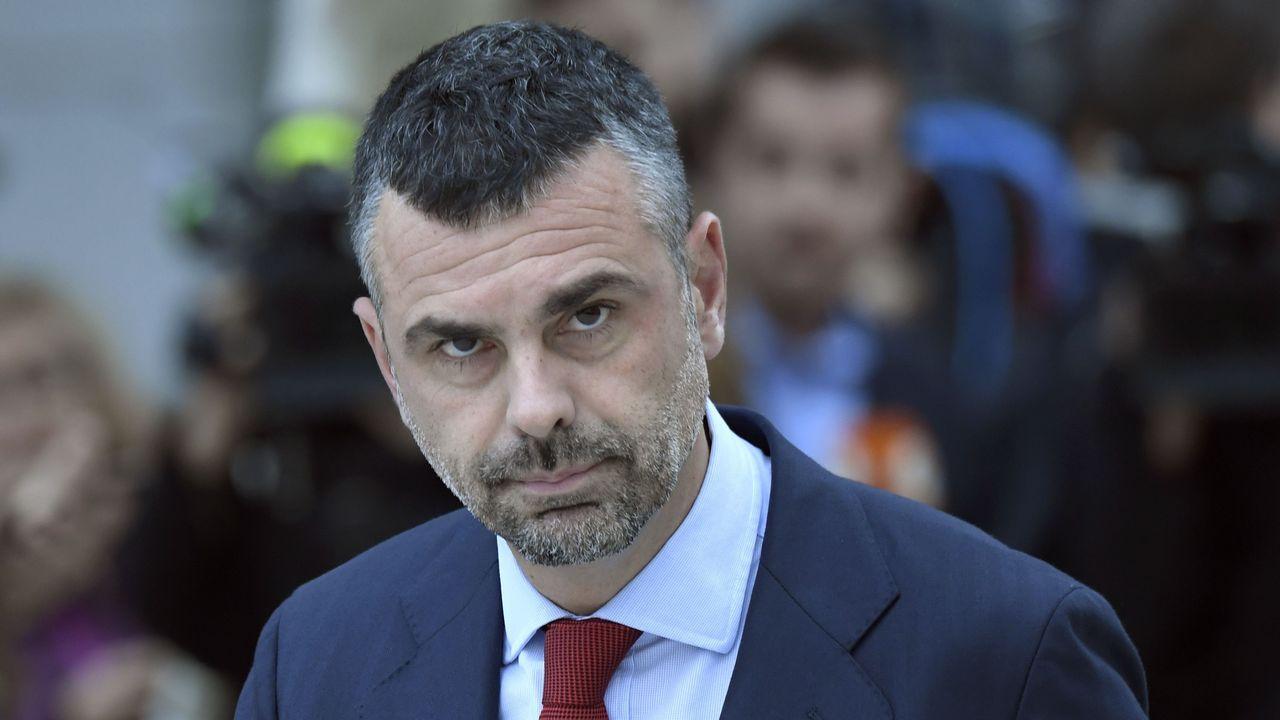 El exconsejero de Empresa de la Generalitat Santi Vila, del PEDCat. Es el único que podrá eludir esta medida cautelar. Para él se ha fijado una fianza de 50.000 euros