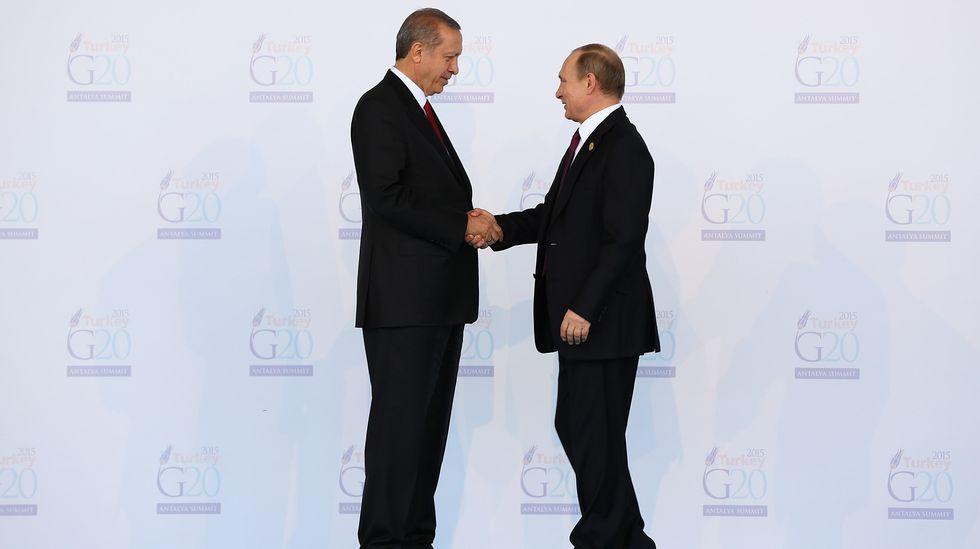 Imagen de archivo. Encuentro entre Erdogan y Putin.
