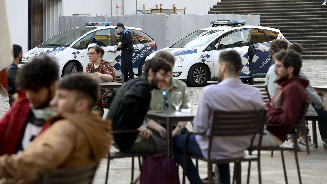 edificio.Controles de terrazas hosteleras en el casco histórico a cargo de la Policía Local