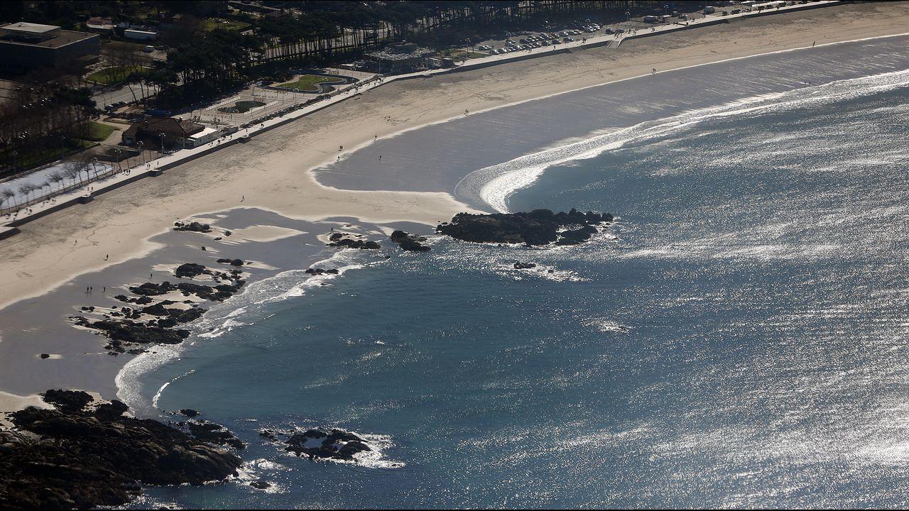 La archiconocida playa de Samil, a vista de pájaro