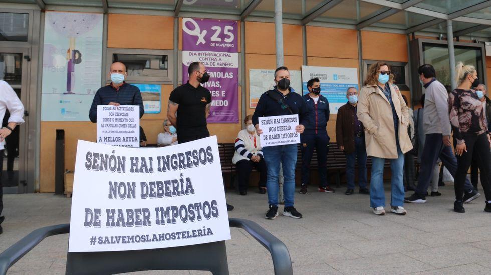 Protesta en la praza do Concello de O Barco