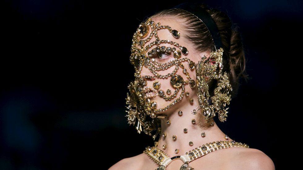 Estrellas en el desfile de Givenchy.Kim Kardashian.