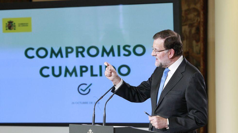 El himno del PP, ahora en versión jazz.Jorge Moragas, jefe del gabinete de presidencia, acompaña a Rajoy por los pasillos del Congreso.