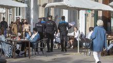 Galicia se echa a las terrazas en el primer fin de semana de la desescalada