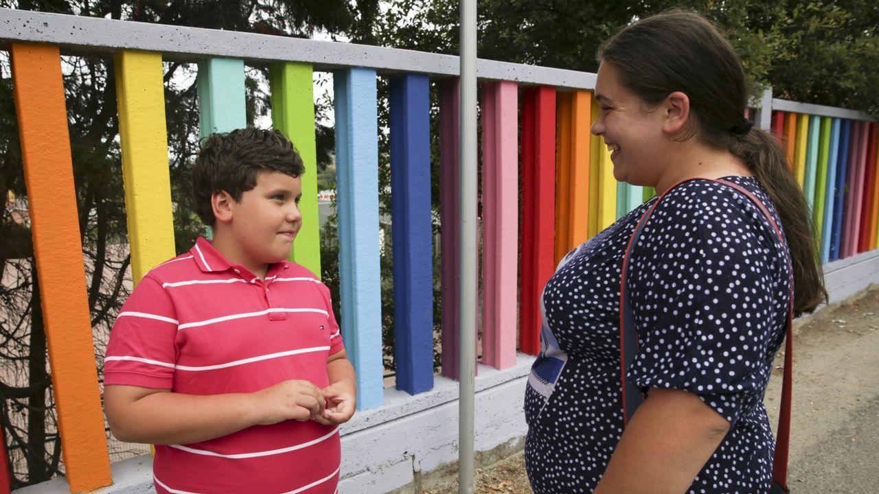 Jhonatan y su madre, en el lugar donde le mordió la víbora