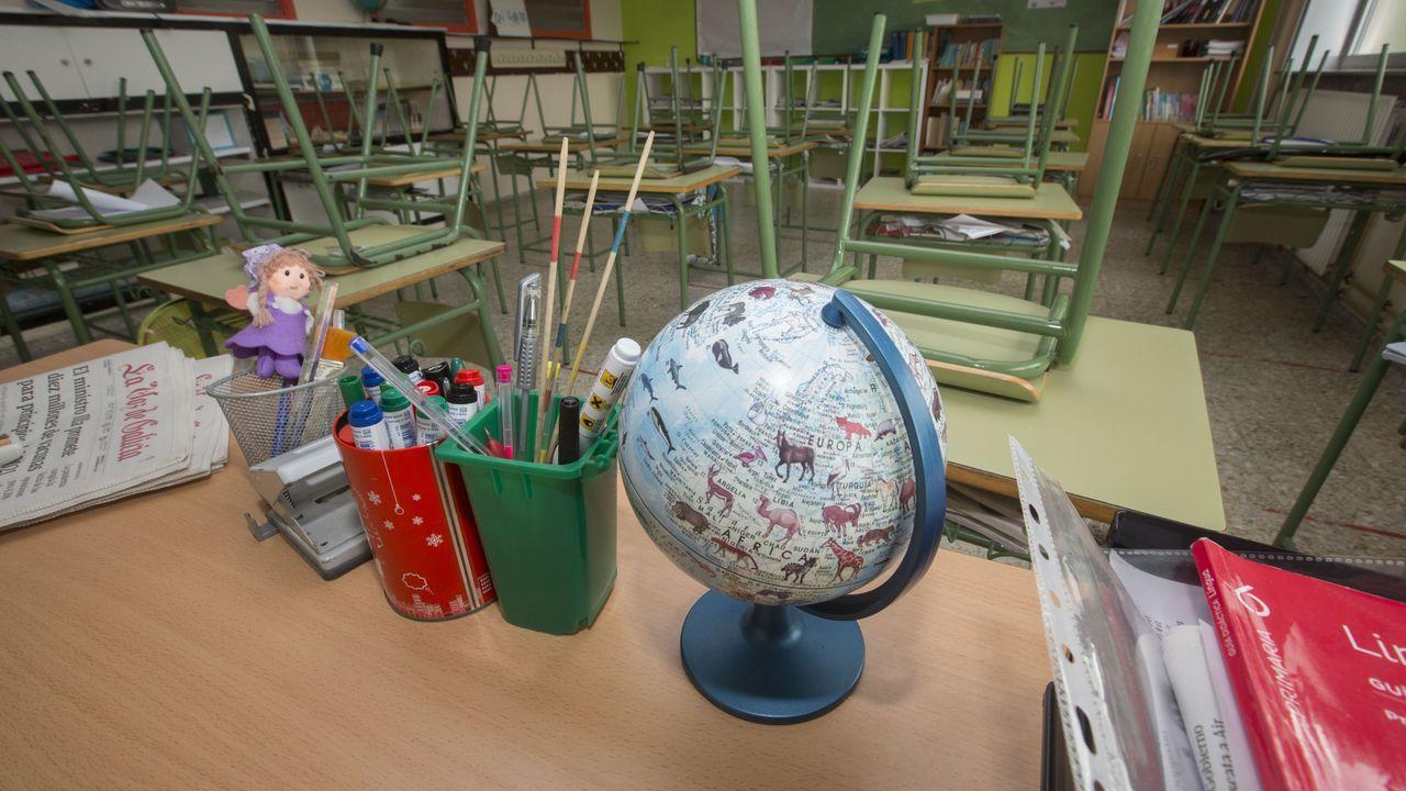Foto de archivo de un aula cerrada en el CEIP Fogar, de Carballo