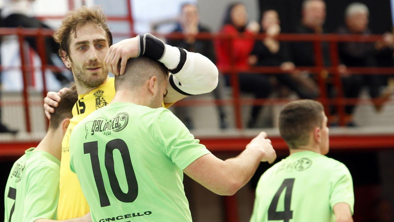 Pelayo Novo Ander Herrera Real Oviedo Athletic Bilbao Carlos Tartiere Copa del Rey.Pita y Seoane saltando al campo
