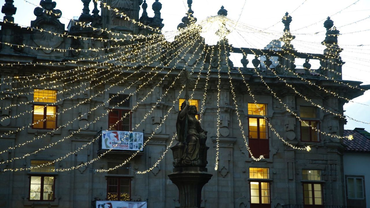 Diez millones de luces led iluminarán Vigo estas Navidades.La ovetense Olaya Esparta