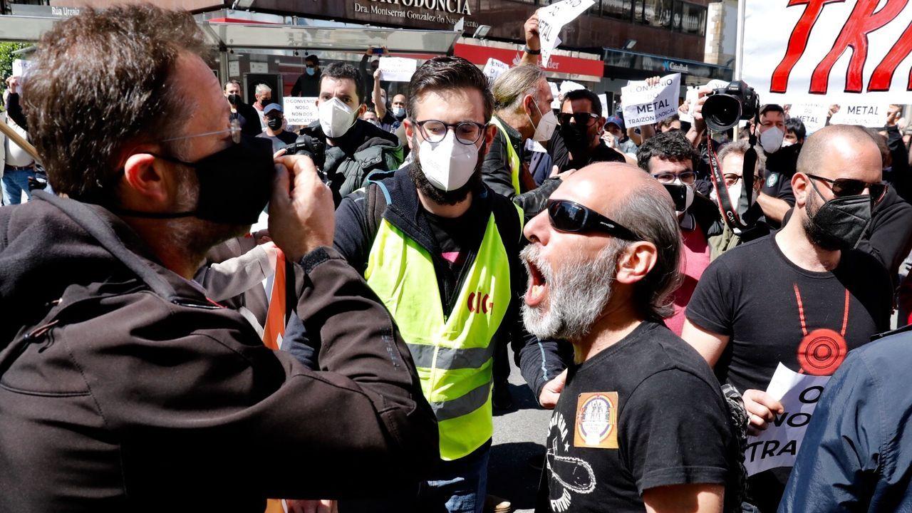 Tensión entre manifestantes de la CIG y trabajadores del metal en la marcha de Vigo
